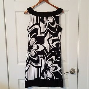 connected apparel Dresses - Connected Apparel black & white floral scoop dress